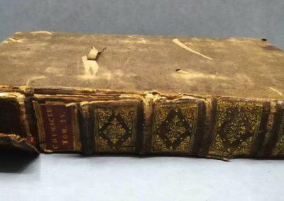restauracion de libro antiguo